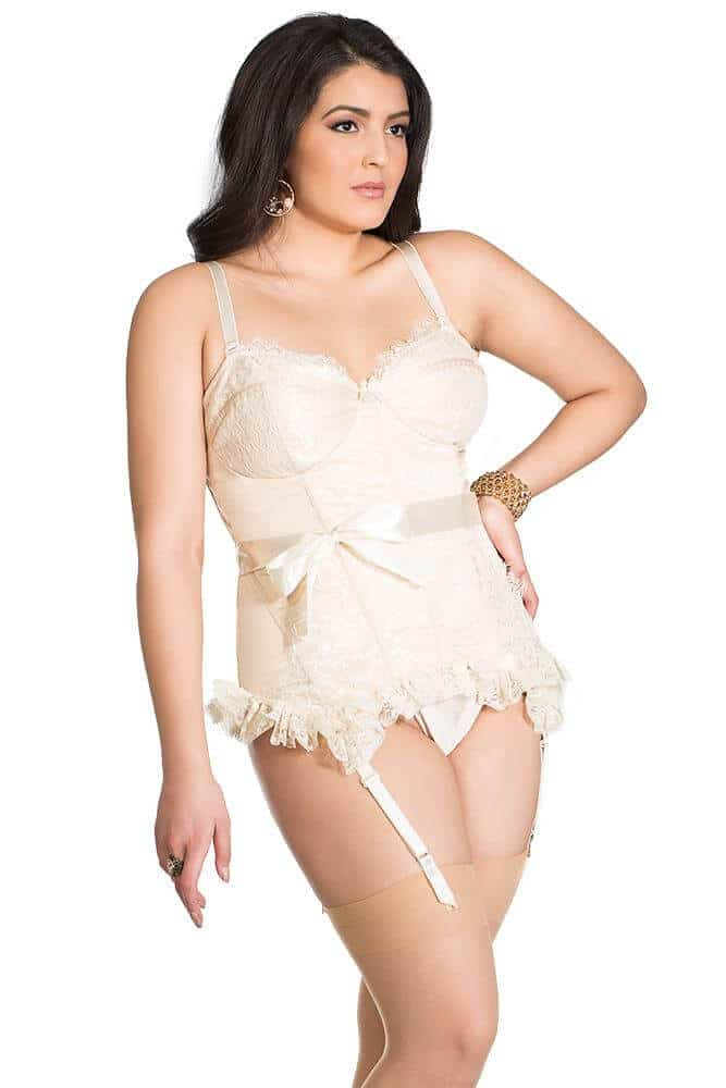 639735aecece5 Plus size lingerie you'll want on your Christmas list | Elle Courbee
